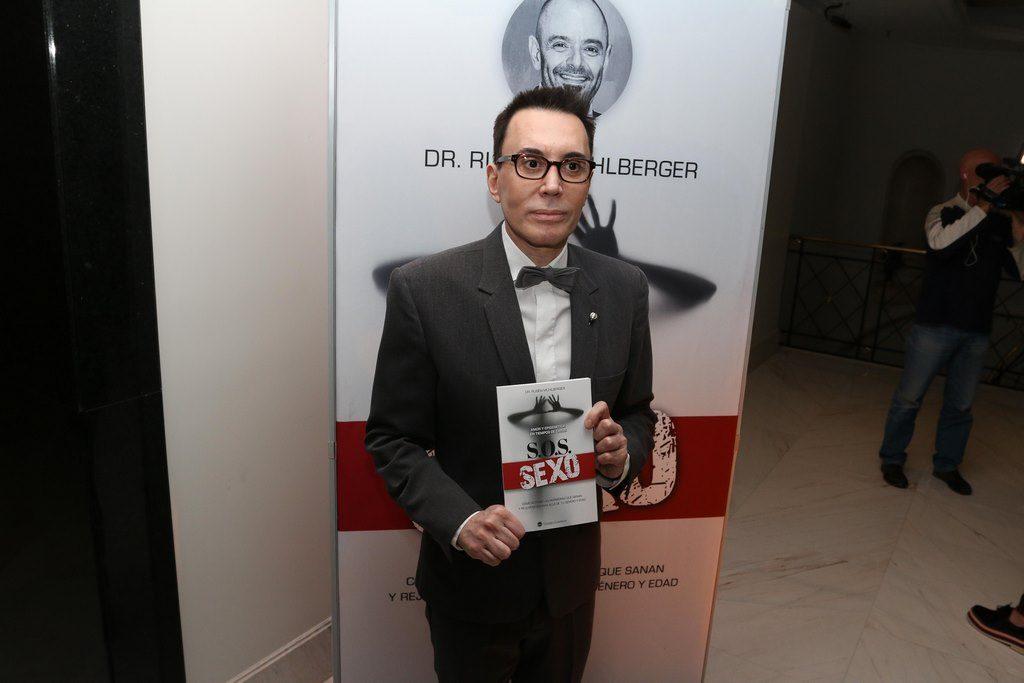 POLINO EN Lanzamiento libro S.O.S SEXO . Muhlberger (12)