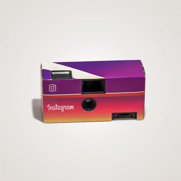 Artista Thomas Olliver convierte tecnologías de hoy en objetos de los 80's (9)