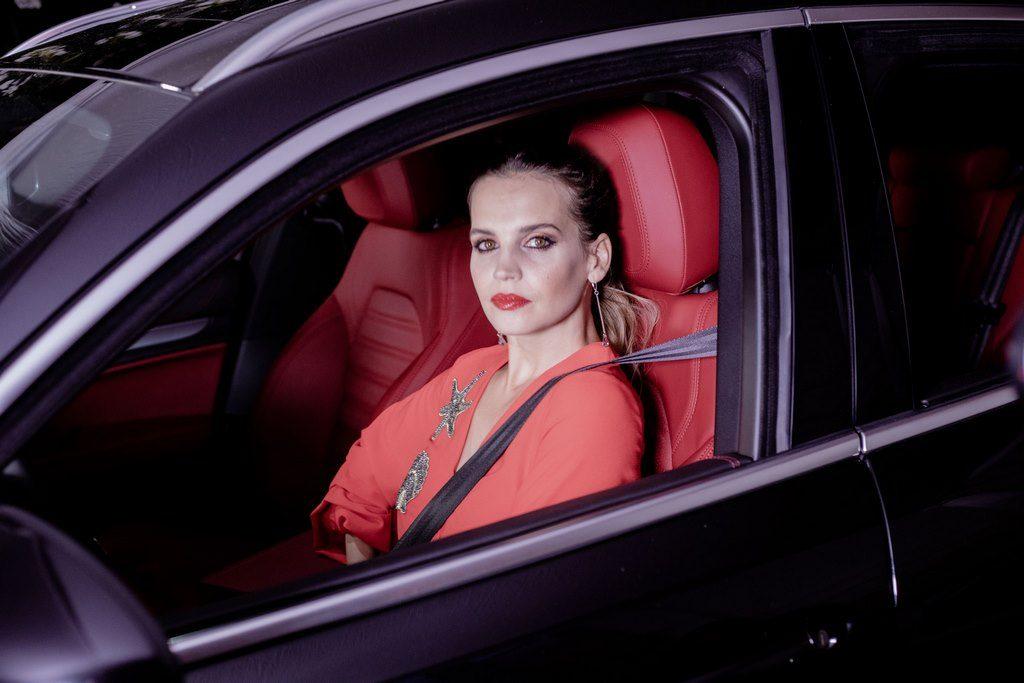 Sabrina Garciarena en el lanzamiento de los nuevos modelos de Alfa Romeo Giulia y Stelvio