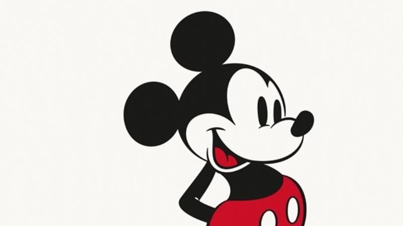Swatch celebra los 90 años de Mickey con un reloj diseñado por Damien Hirst