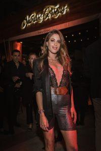 Agustina Casanova pasó por el Bar Navarro Correas para probar la propuesta de tragos de la marca en la Fiesta Animal