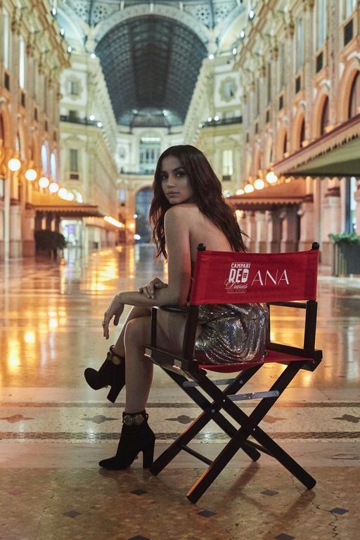 Campari Red Diaries 2019 Ana de Armas y Matteo Garrone loqueva (9)