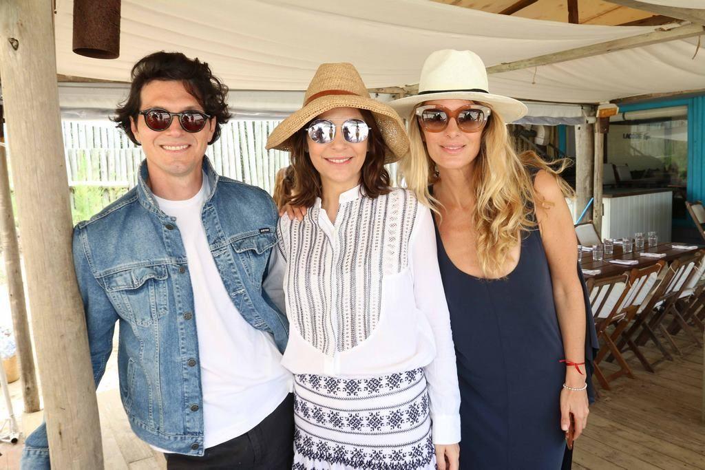 Facundo Garayalde, Sandra Hillar y Andrea Martinez en el almuerzo de PAULE KA en La Huella