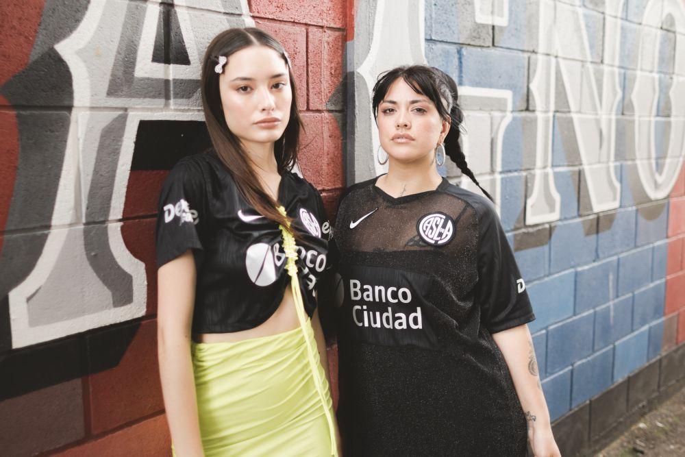 Nike presenta junto a Madness Clothing una edición limitada de la tercera camiseta de San Lorenzo (15)