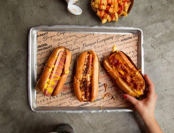 The Burger Company lanza su nueva línea de Hot Dogs