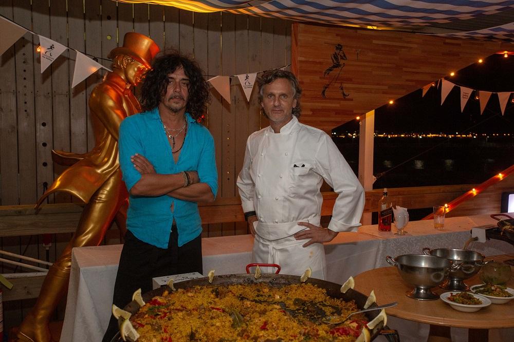El Zorrito Quintiero y Pablo Massey cocinaron en OVO BEACH evento Omega loqueva  (6)