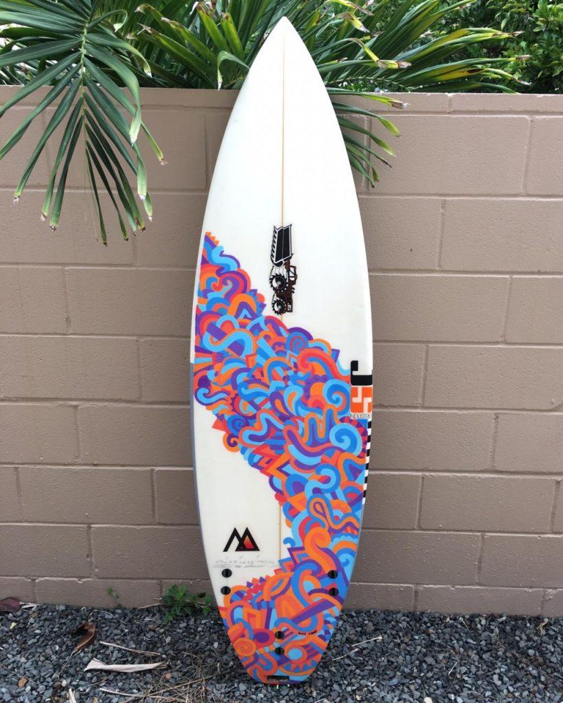 Simo Vibart entre el arte y el surf loqueva