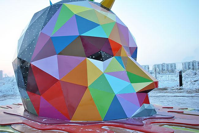 Okuda instala la escultura más al norte del mundo en Yakutsk, Rusia (5)