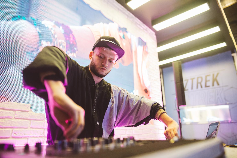 B.R.O.D.E.R deslumbró el stand de Reebok en BAFWEEK con su DJ Set