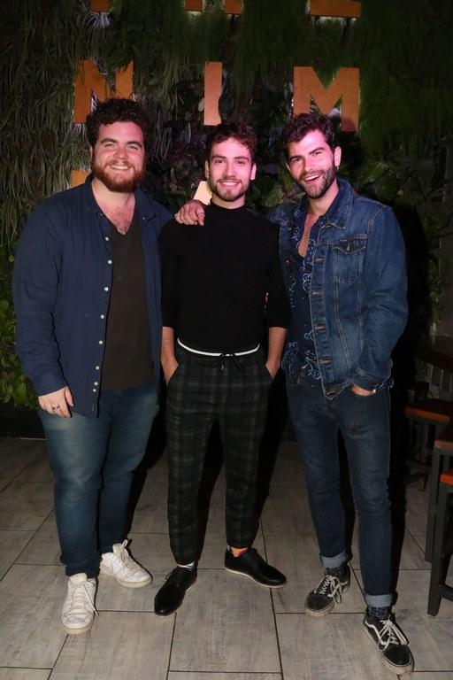 Gastón Cocchiarale, Albert Baro y Diego Dominguez en la apertura de The Nim Bar