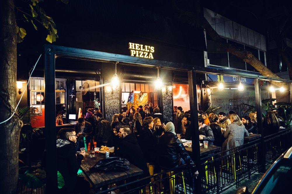 Hell's Pizza inauguró un nuevo local en La Imprenta (1)