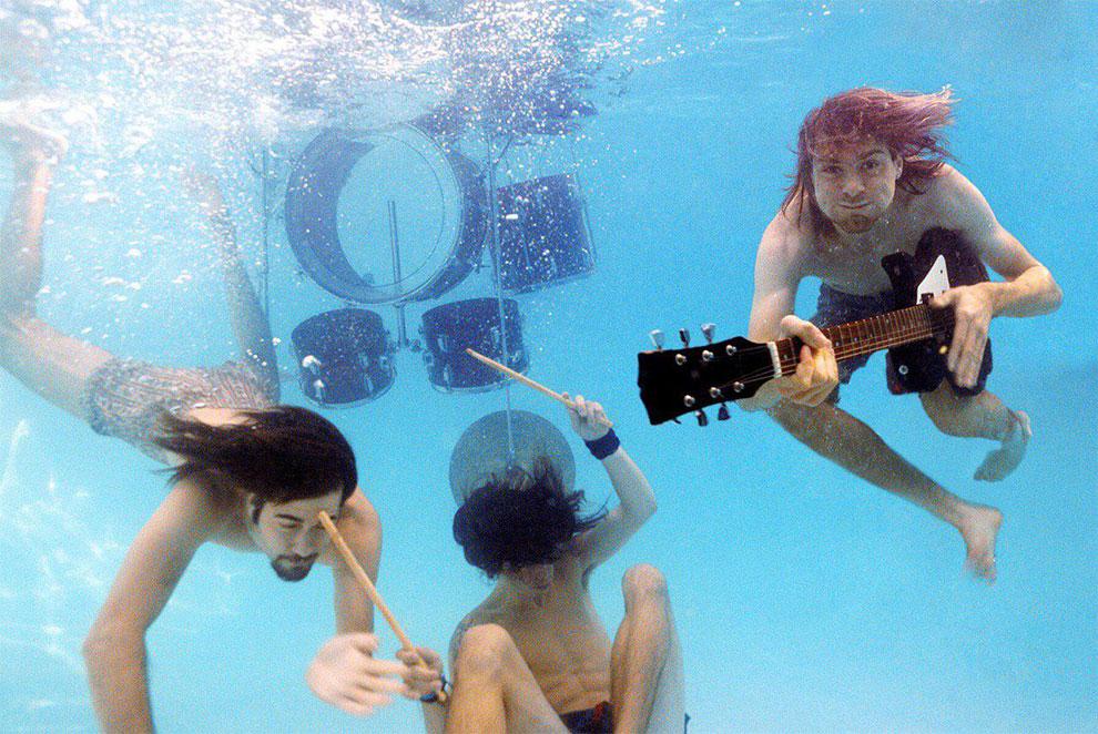 """Float Around"" fotos inéditas bajo el agua de Nevermind de nirvana (3)"