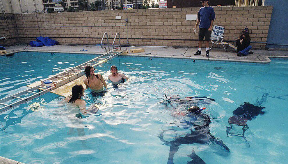"""Float Around"" fotos inéditas bajo el agua de Nevermind de nirvana (4)"