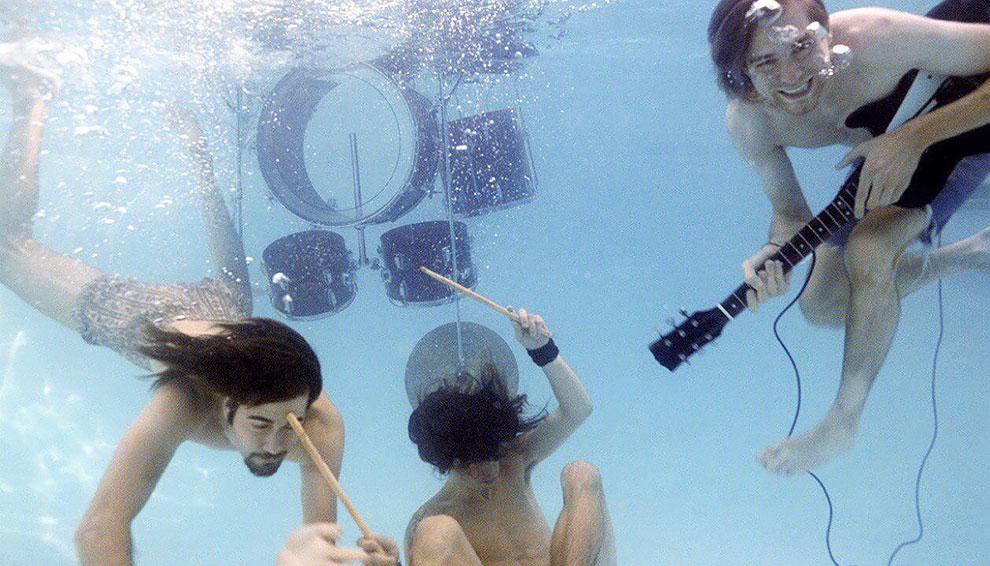 """Float Around"" fotos inéditas bajo el agua de Nevermind de nirvana (6)"