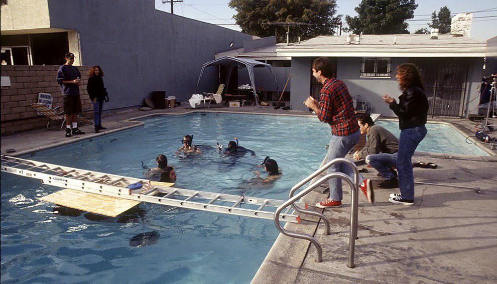 """Float Around"" fotos inéditas bajo el agua de Nevermind de nirvana (8)"