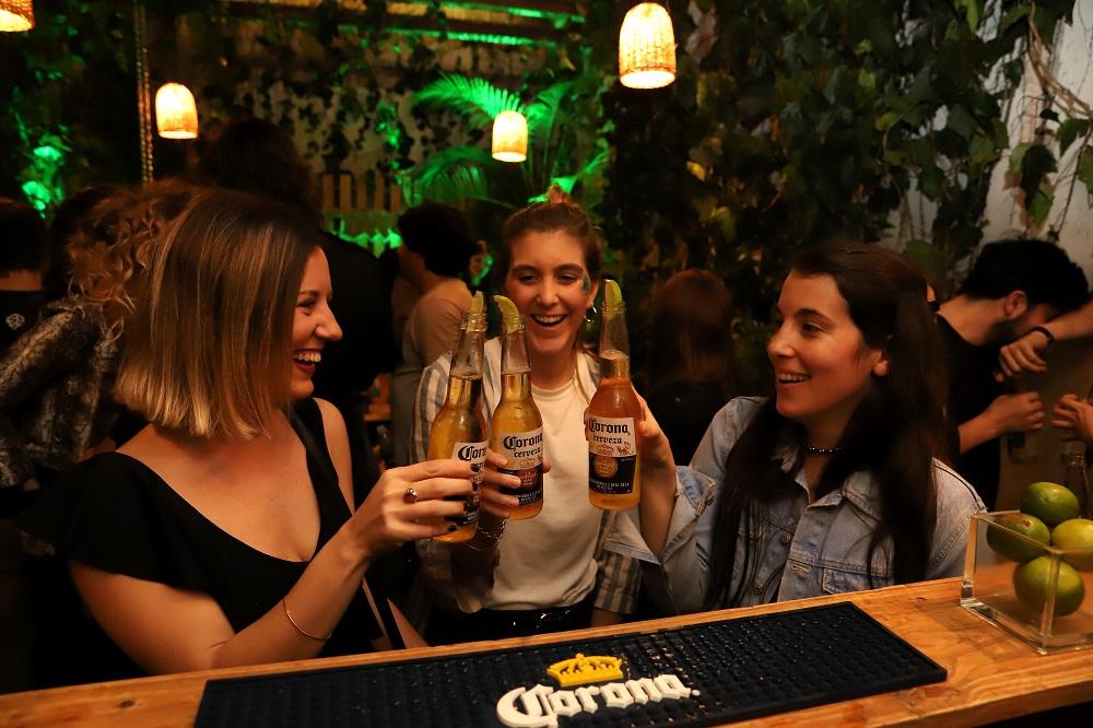 Lime Bar, el bar oculto de Corona que está abierto sólo por unos días (2)