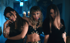 Ariana Grande, Miley Cyrus y Lana Del Rey se unen para Los Ángeles de Charlie