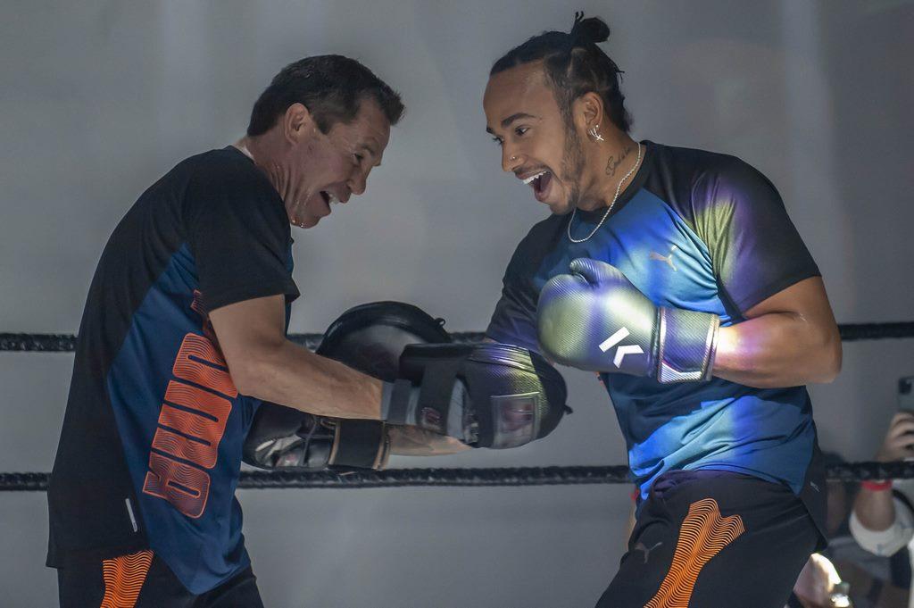 Julio y Lewis entrenando