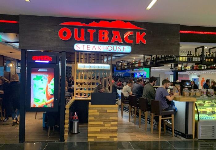 Outback Steakhouse desembarca en el Aeropuerto Internacional de Ezeiza (5)
