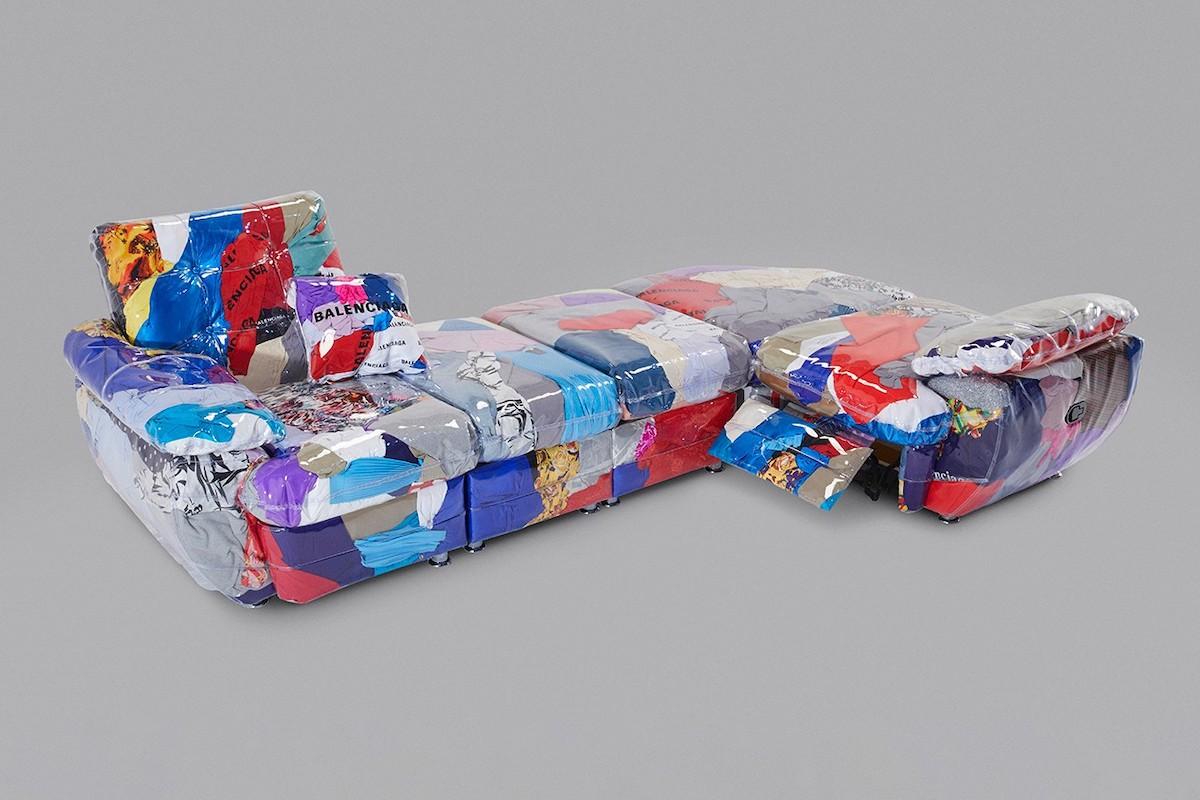 Balenciaga-Sofa-ropa-reciclada-loqueva (1)