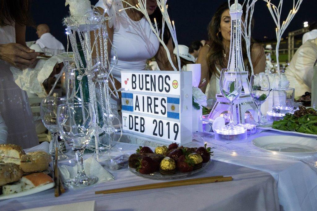 Diner en Blanc 2019 Buennos Aires photo Malcolm MacGibbon-0415