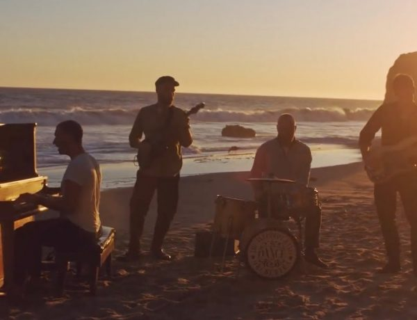 Coldplay- everyday-life-loqueva