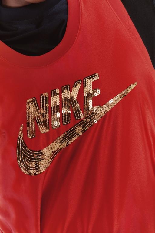 Women By Nike - Icon Clash (1)