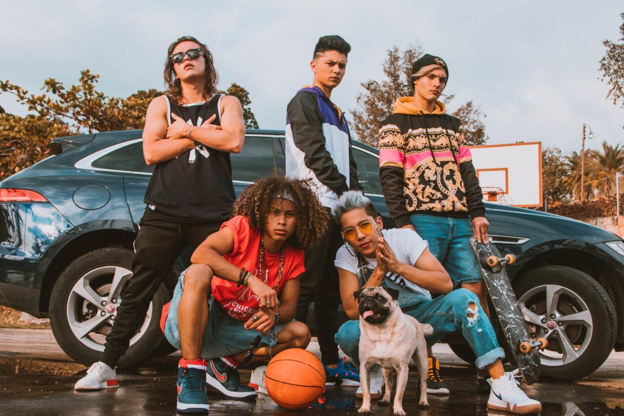 La boy band colombiana LV5 sorprende al público con su nueva canción (2)