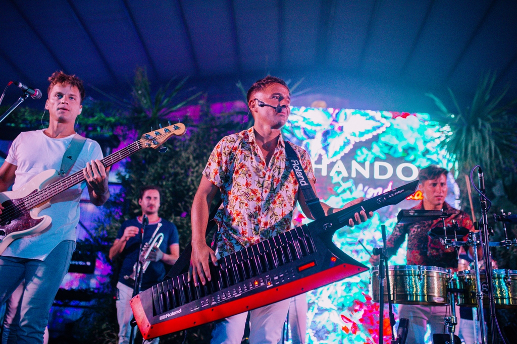 Los Totora 4 - Chandon Wonderland MDQ