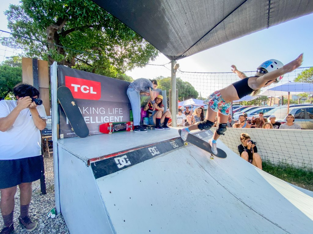 SkateChikAr TCL skate mujeres loqueva