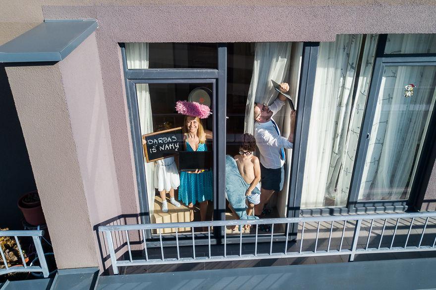 Fotógrafo registra con un drone la cuarentena de sus vecinos  (9)