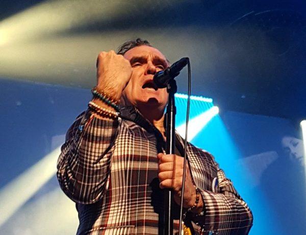 Morrissey lanzó su nuevo álbum I am not a dog on a chain loqueva