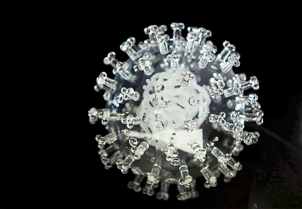 escultura vidrio coronavirus (4)