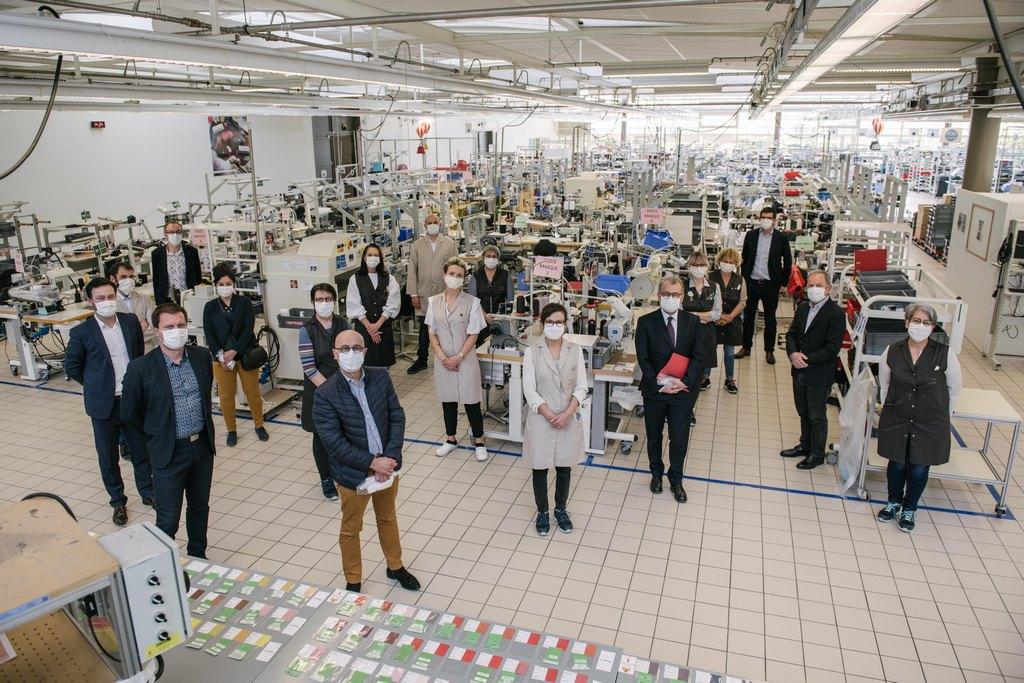 Louis Vuitton vuelve a abrir sus talleres para fabricar barbijos no quirúrgicos (3)