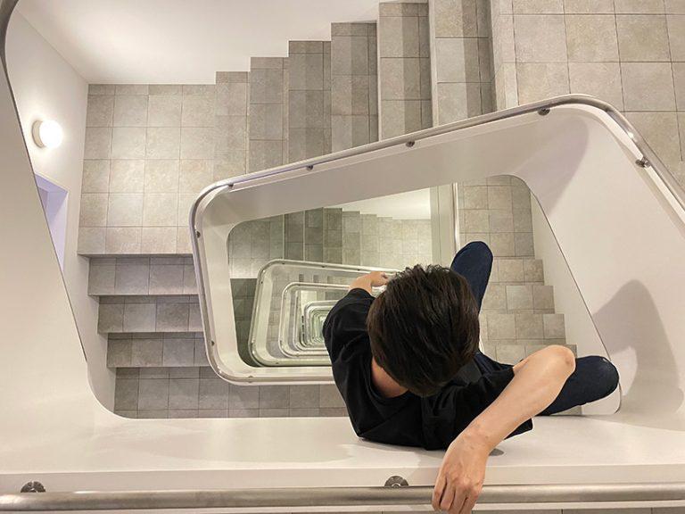 Escalera infinita Leandro Erlich KAMU japón (4)