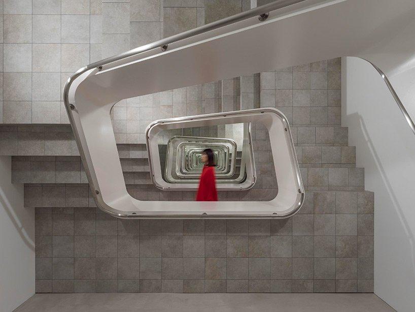 Escalera infinita Leandro Erlich KAMU japón (6)