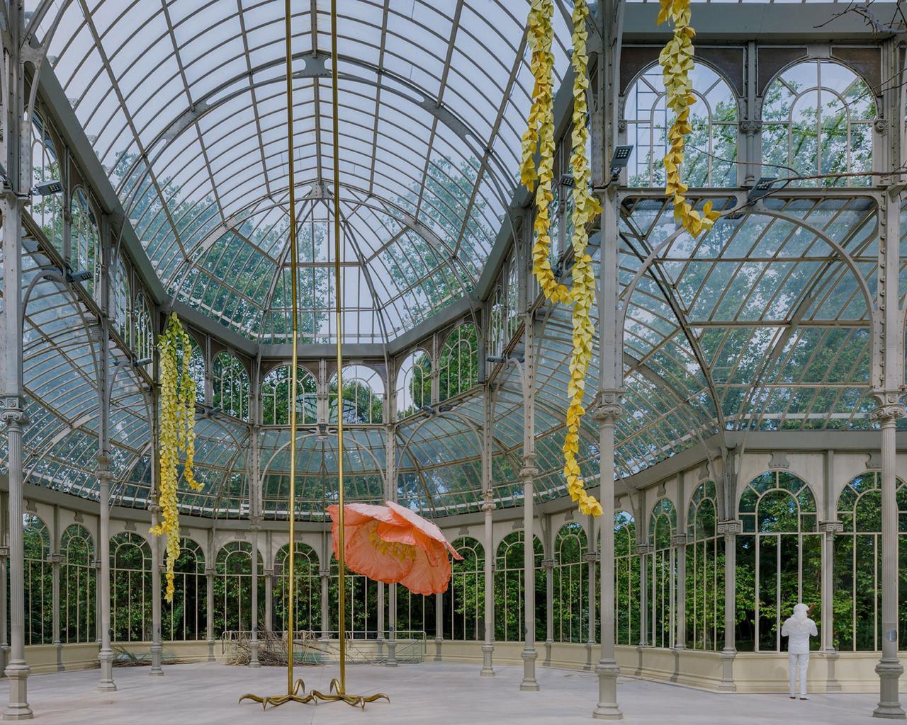 00003muestra flores Petrit Halilaj palacio de cristal