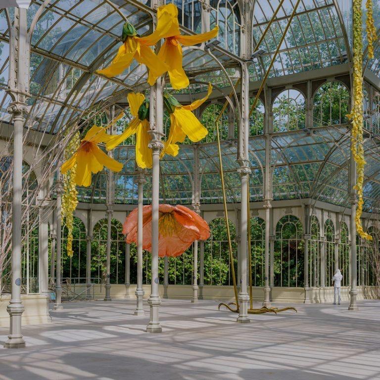 00009muestra flores Petrit Halilaj palacio de cristal