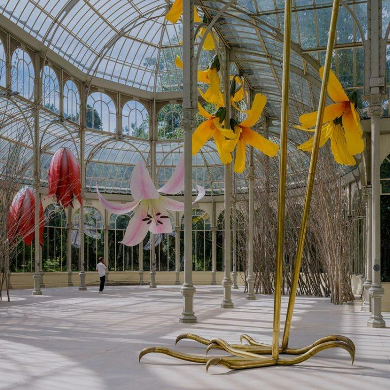 00010muestra flores Petrit Halilaj palacio de cristal