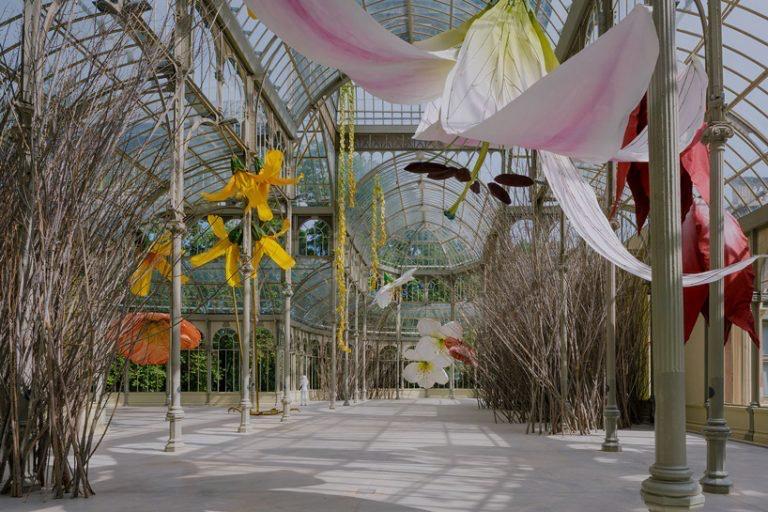 00011muestra flores Petrit Halilaj palacio de cristal