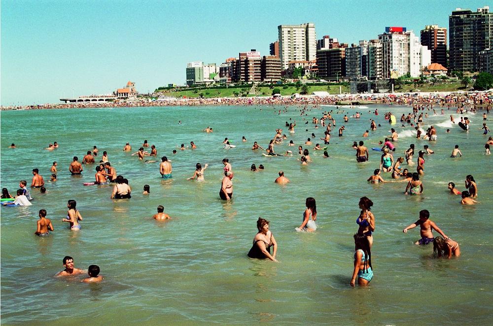 Alberto Goldenstein - ST de la serie Mar del Plata, 2001. Gentileza Galeria Nora Fisch
