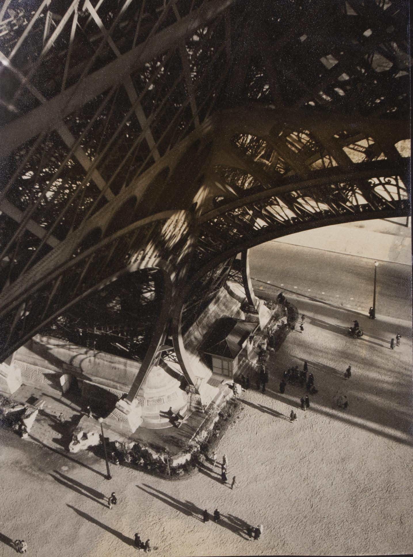 Annemarie Heinrich - Torre Eiffel (Gentileza Vasari Galeria)