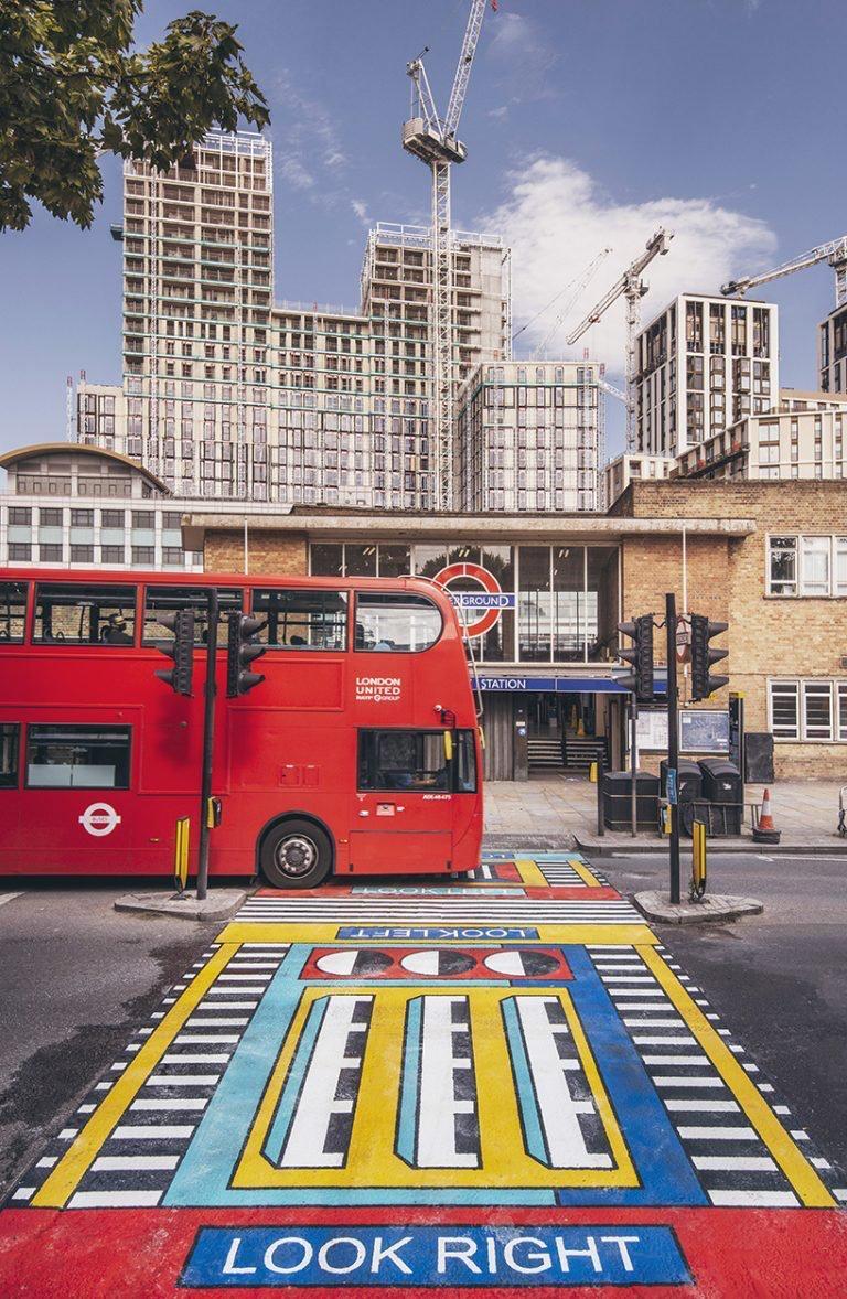 camille Walala transforma calles de Londres con sus coloridos patrones geométricos (3)