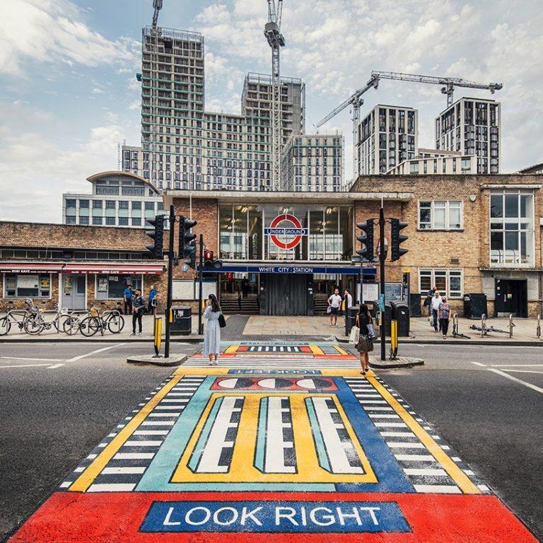 camille Walala transforma calles de Londres con sus coloridos patrones geométricos (6)