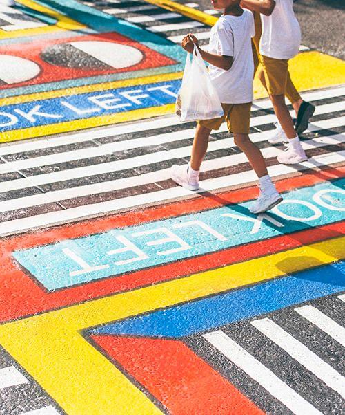 camille Walala transforma calles de Londres con sus coloridos patrones geométricos (7)