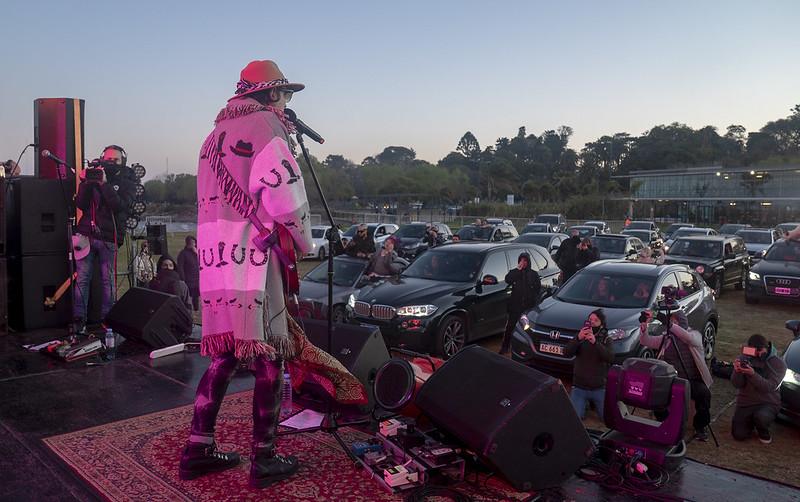 Coti y los brillantes autocine al rio auto concierto san isidro (9)