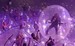 The Flaming Lips y un show con la banda y el público en burbujas de plástico (3)