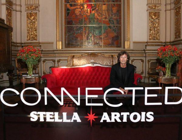 Hernán Cattaneo en el cocktail de Stella Artois en el marco de Connected en el Teatro Colon