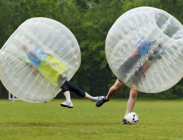 Williamsburg invita a jugar al Bubble Soccer